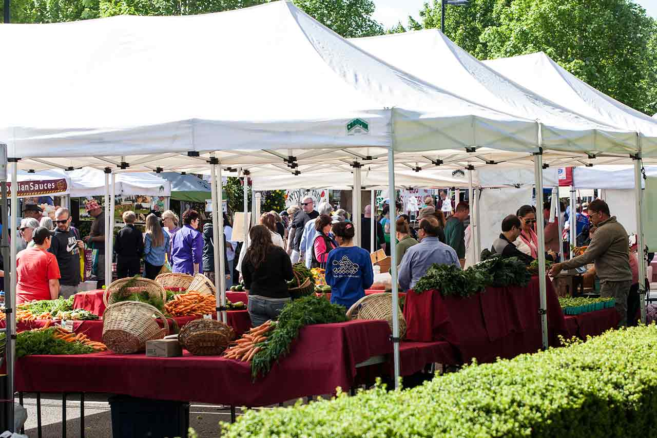 things to do in the Tualatin Valley Farmers Markets