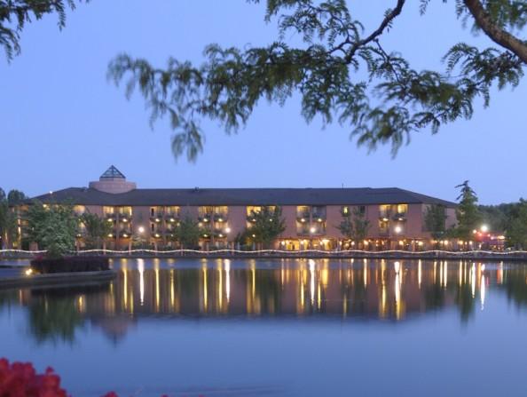 Century Hotel Lake