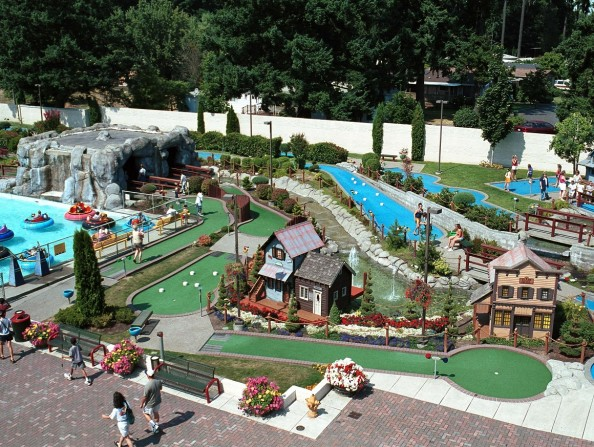 Family-Fun-Center (aerial)