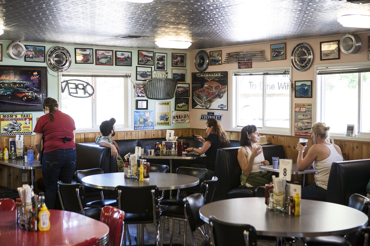 tualatin valley restaurants Cruise In Country Diner